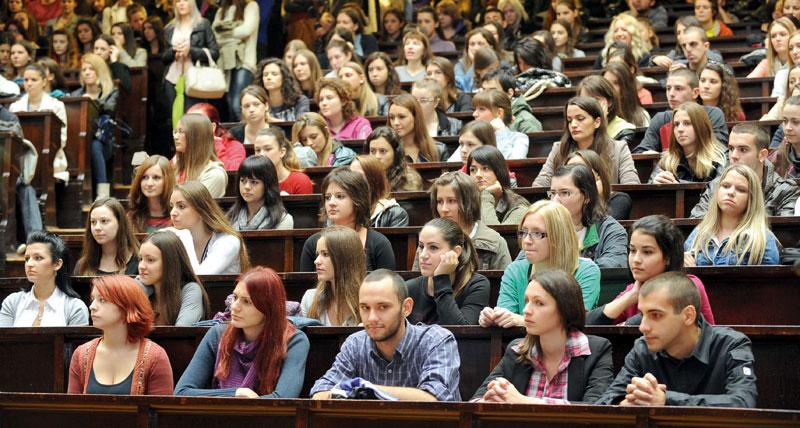 studenti-burse-vacanta-vara