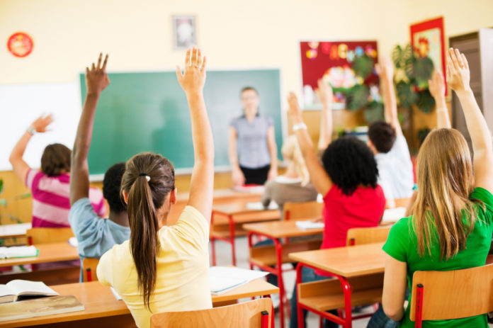 lege-promulgata-programe-de-educatie