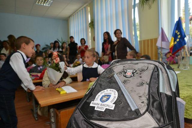 ghiozdane-campanie-federatia-asociatiilor-de-părinți-dezbatere