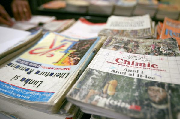uniunea-editorilor-romania-uer-liviu-pop-manual