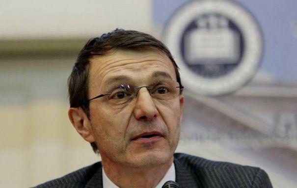 Trei rectori din țară protestează faţă de posibilele schimbări privind conducerea Institutului Limbii Române