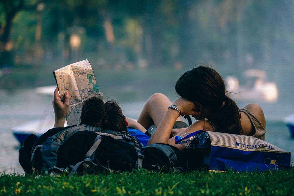 Tinerii din România vor avea 450 de călătorii gratuite cu mijloace de transport în Europa