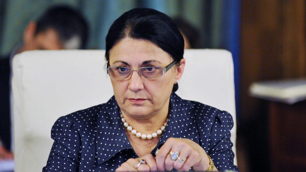 Andronescu: Vom găsi o formulă ca aceia care nu promovează titularizarea să nu mai fie în învățământ