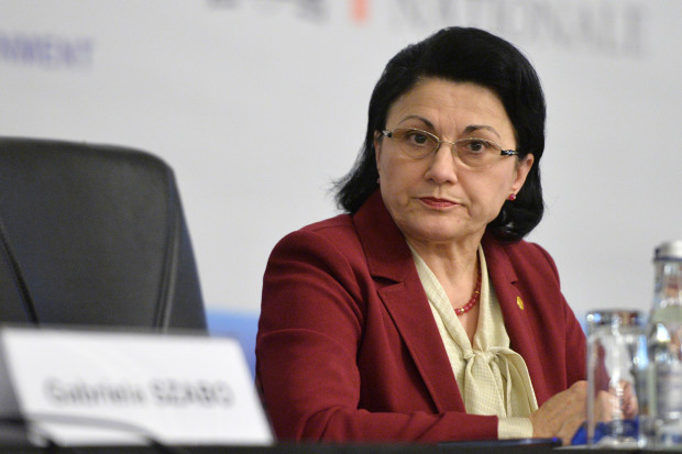 Ecaterina Andronescu vrea să schimbe legea educației