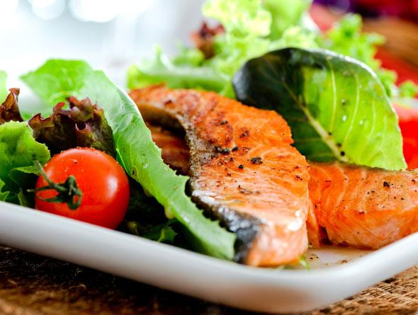 Dieta bogată în pește poate fi remediul pentru astm